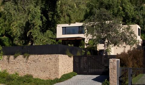 /NOMBRE Casa Camino Del Monasterio /AÑO 2014 /SUPERFICIE 308 m2 /UBICACIÓN Lo Barnechea